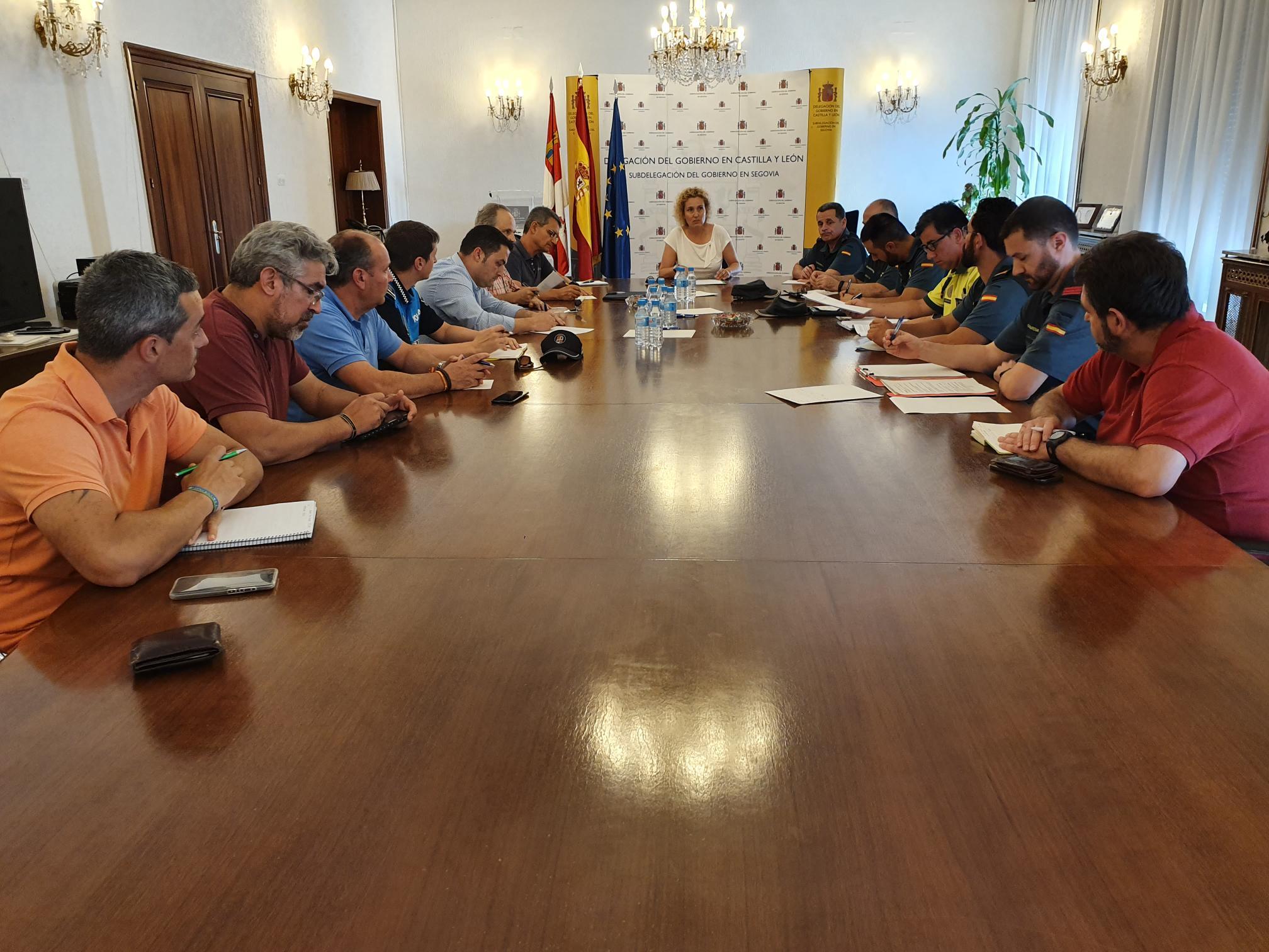 Foto de la reunión con Subdelegación de Gobierno de Segovia